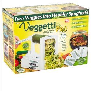 Veggetti Pro Veggie Cutter NWT